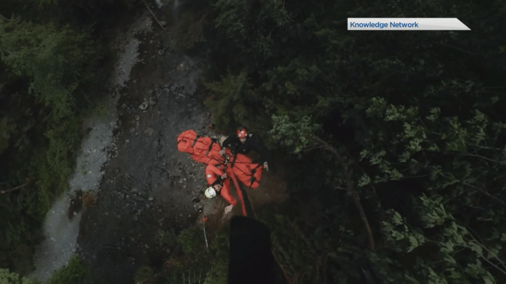 North Shore Rescue accidentally finds lost hikers on first-ever night-vision test flight